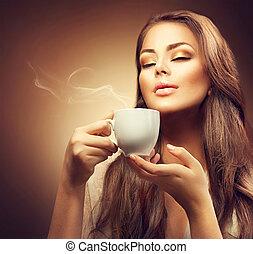 beau, café, femme, jeune, chaud, apprécier