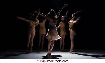 beau, danse, moderne, filles, contemporain, danse, continuer, cinq, noir, ombre