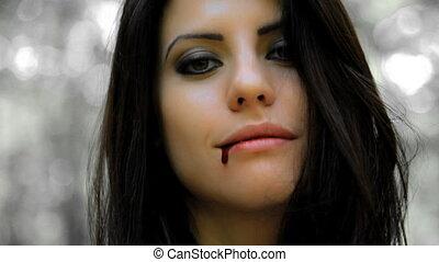 beau, femme souriante, vampire