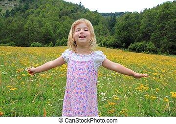 beau, fleur, pré, printemps, bras, girl, ouvert