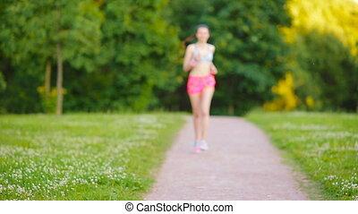 beau, formation, femme, course, coureur, -, jeune, engageant, courant, gymnastique, dehors, girl, sport, outdoors., marathon