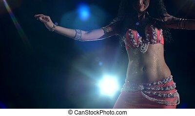 beau, jeune, lumière, dos, bas, danseur, ventre, came, noir, girl, mouvements, torse