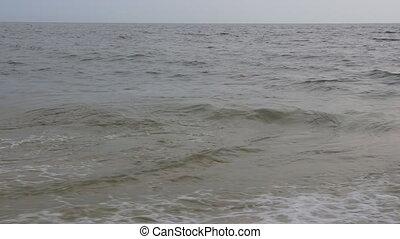 beau, lent, cassant vague, mouvement, océan coucher soleil