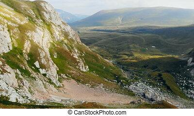 beau, mouche, épique, aérien, beauté, montagne, sur, nature, élevé, arrière-plan., gamme, bourdon, rocks., coup, falaises, altitude, paysage