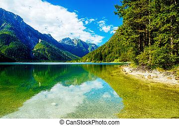 beau, paysage montagne, lac, arrière-plan.