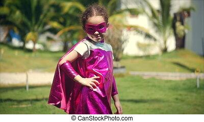 beau, peu, concept, superhero, héros, masque, manteau, regarder, déguisement, appareil-photo., habillé, childhood., girl, heureux