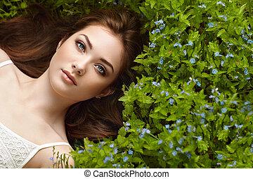 beau, portrait, femme, été, jardin, jeune