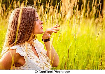 beau, portrait, femme, parc, jeune