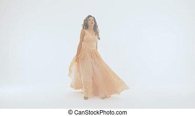 beau, robe, chante, emotionally, long, arrière-plan., elle, girl, blanc