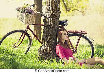 beau, séance, photo, arbre, repos, forest., vélo, retro, girl, style.