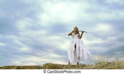 beau, violiniste, robe blanche