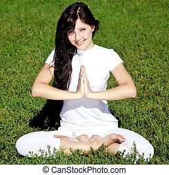 beau, yoga, jeune, park., vert, girl, herbe, brunet