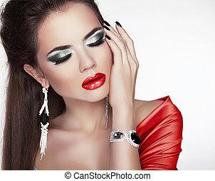 belle femme, bijouterie, maquillage, accessoires, lèvres, mode, portrait, sexy, rouges