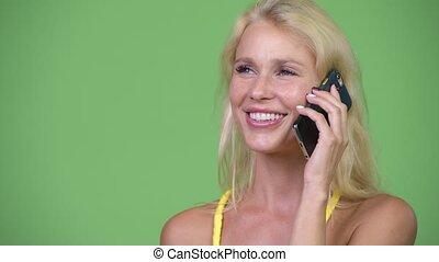 belle femme, conversation, jeune, téléphone, blond, heureux