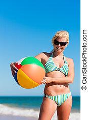 bikini, femme, plage, séduisant