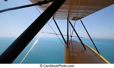 biplan, shots., sur, deux, ocean.