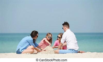 blanc, exotique, château sable, famille, confection, plage, quatre