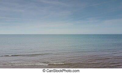 bleu, ciel clair, océan, sans bornes, sous, lave, plage