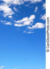 bleu, ciel nuageux