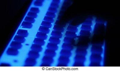 bleu, doigts, sombre, clavier, type, rétroéclairage