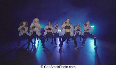 bleu, groupe, fumée, danse, lumières, femme, performance, étape