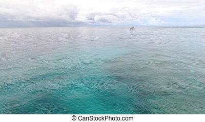 bleu, large, yacht, océan