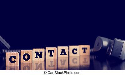 blocs, alongsid, bois, combiné, téléphone, contact, mensonge