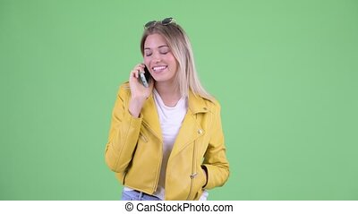 blond, téléphone, jeune, femme heureuse, rebelle, conversation