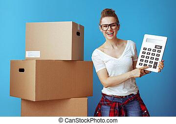 boîte, bleu, femme, calculatrice, moderne, carton, heureux