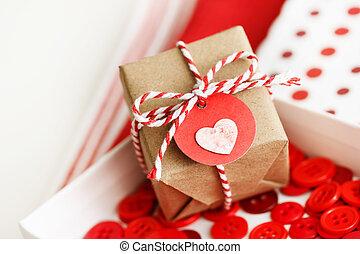 boîte, coeur, petit, fait main, cadeau