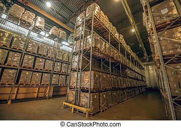 boîtes, grand, différent, entrepôt, beaucoup, étagères