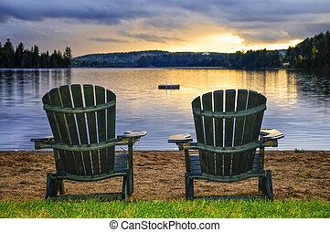 bois, chaises, plage, coucher soleil