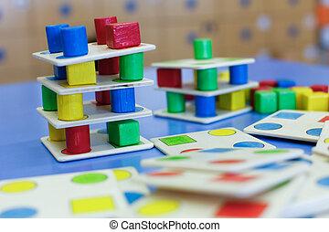 bois, pédagogique, fait maison, jeu, coloré