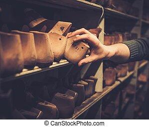 bois, rang, chaussure, shelves., vendange, vieux, lasts, divers