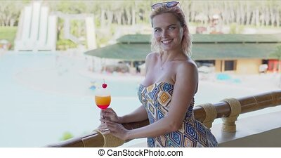 boisson, piscine, fruit, dame, balcon, gai, natation