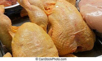 boucherie, grand, poulet, counter., carcasse, fenêtre, ou