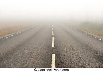 brouillard lourd, asphaltez route