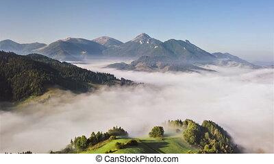 brumeux, vert, aérien, hyper, nuages, vue, montagnes, défaillance, paysage