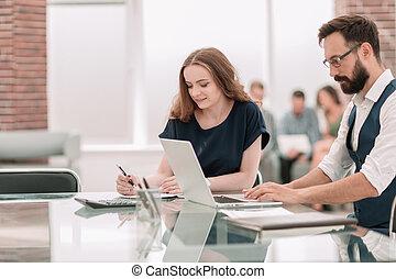 bureau., employés, bureau, deux, séance