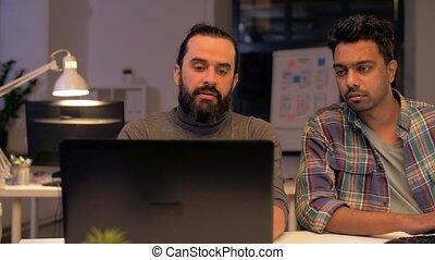 bureau, tard, informatique, fonctionnement, équipe, créatif
