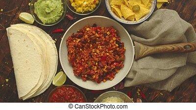 burritos., tortilla, pan., salsa, concept., guacamole, chilli, mexicain nourriture, servi, haricots, légume