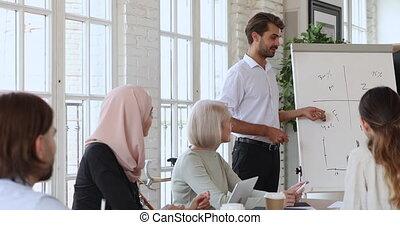 business, speaker., gens, divers, concentré, mâle, écoute, jeune