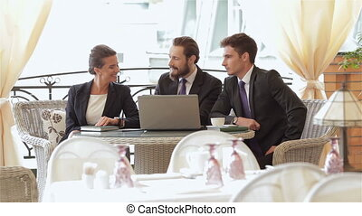 businesspeople, manger, trois, collations