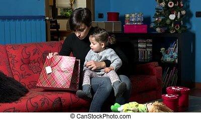 cadeau, maman, enfant, bébé, présent noël
