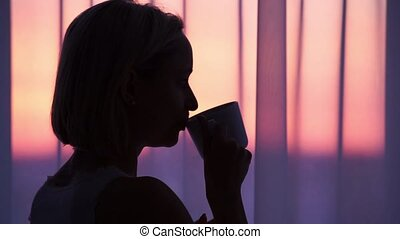 café buvant, femme, silhouette, sunrise.