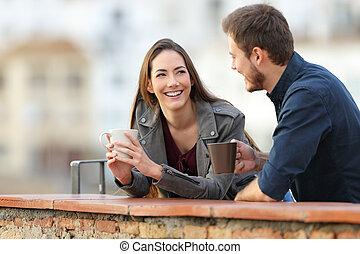 café, couple parler, terrasse, boire, amis, ou