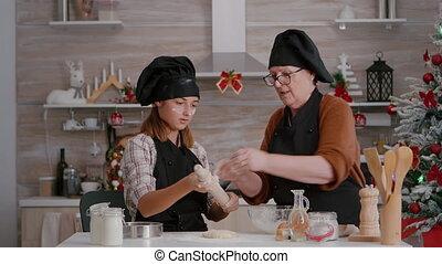 café, culinaire, grand-maman, pain épice, préparer, dessert, fait maison, cuisine, petit-enfant