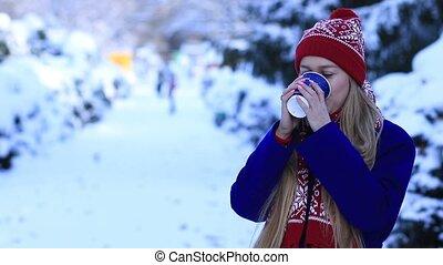 café, femme, hiver, jeune, boire, sourire, froid