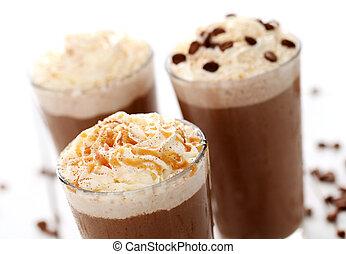 café, glace, crème fouettée