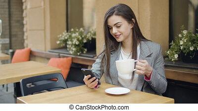 café, texting, tasse